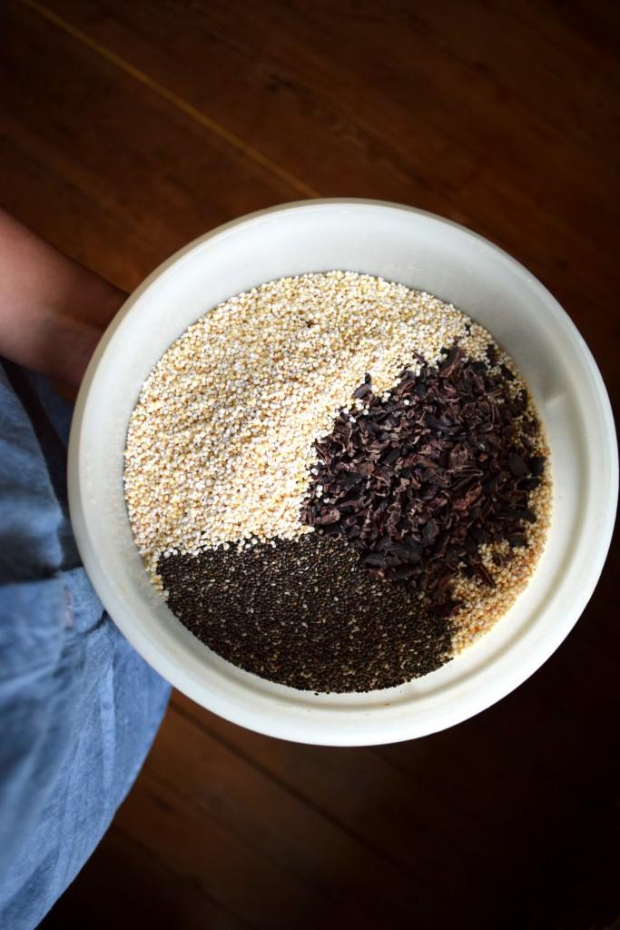ingrédients granola amarante chocolat cacao cru chia avoine