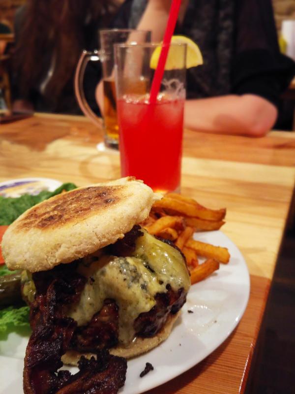 dr zian blue cheese burger the bird berlin