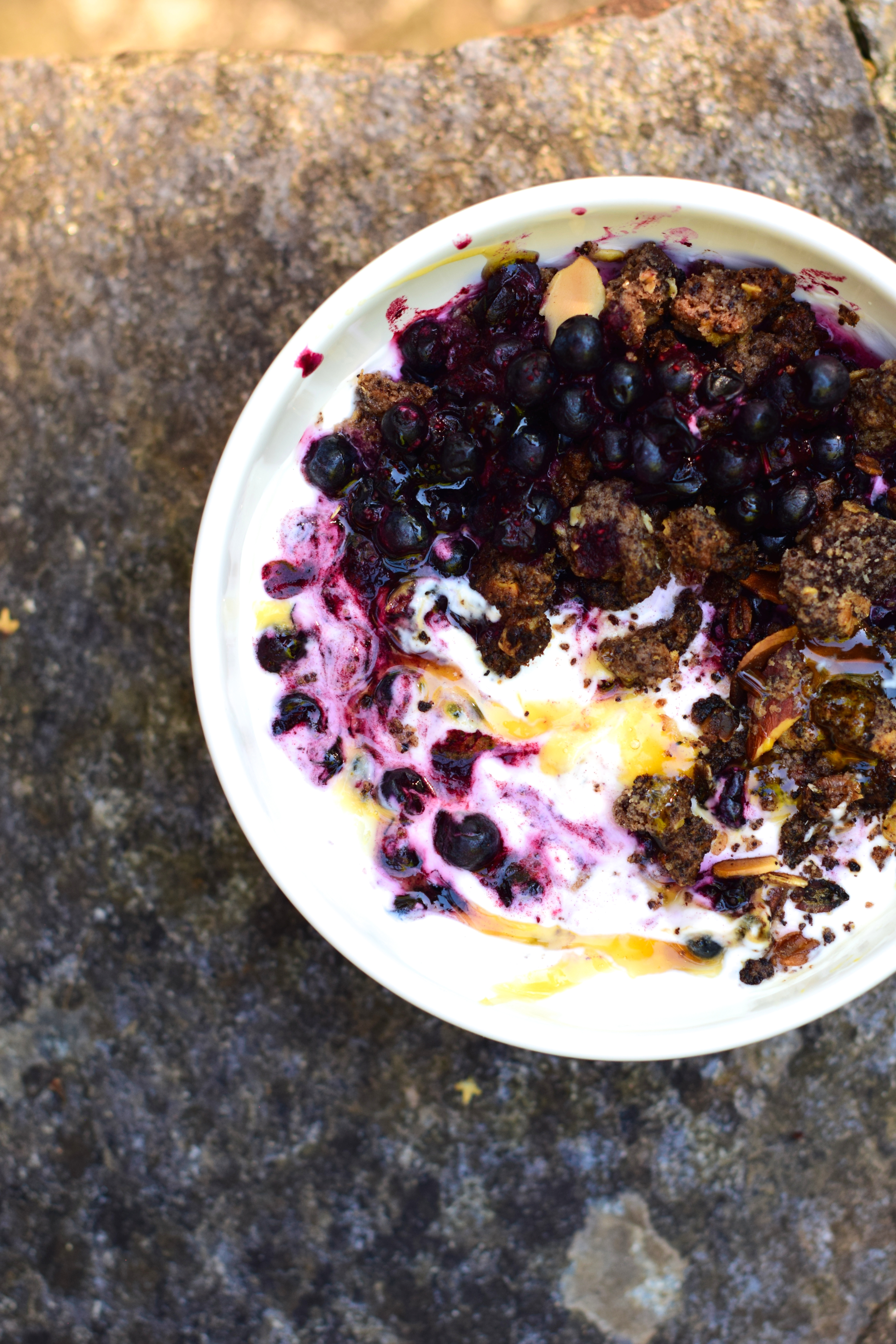 Wild blueberries breakfast bowl, cacao crumble