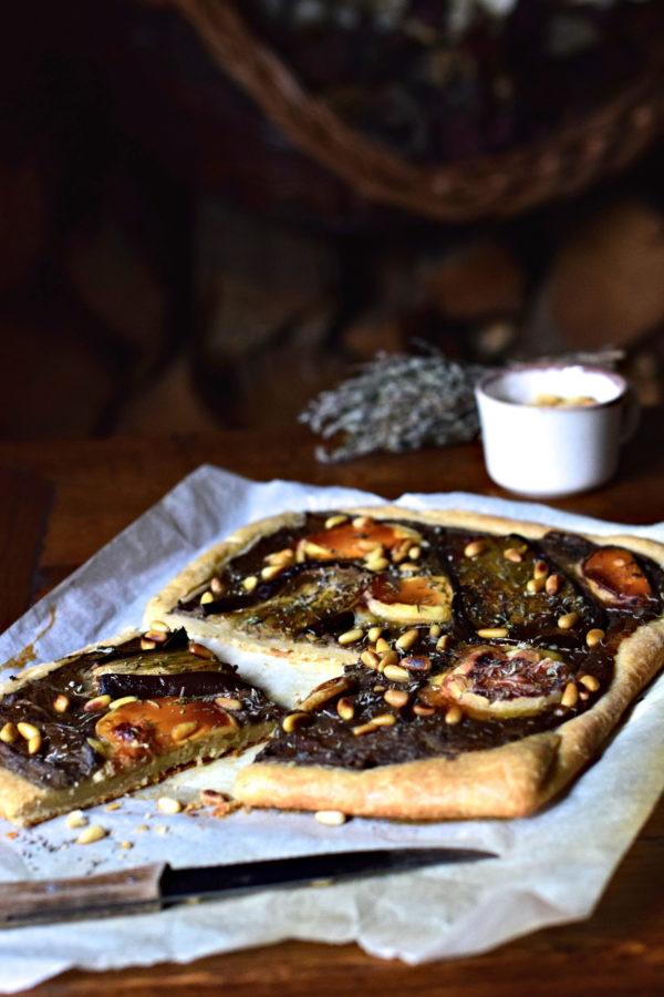 Tarte fine aux aubergines, thym & fromage fromage Pélardon