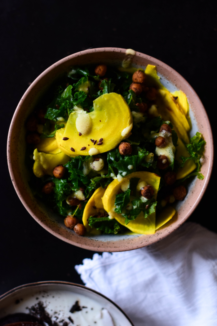 Kale cabbage, roasted chickpeas & yellow raw beetroot