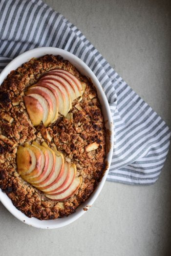 Baked oatmeal pomme & cannelle