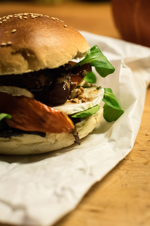 Burger d'automne au potimarron & fondue d'oignons au Calvados
