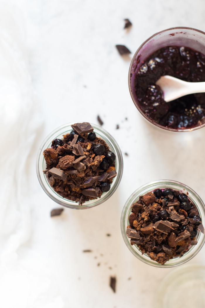 Pudding aux graines de chia & confiture de myrtilles sans sucre