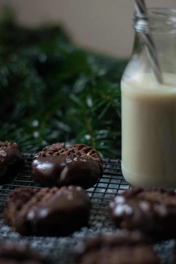 Christmas Spice, Hazelnut & Chocolate Cookies