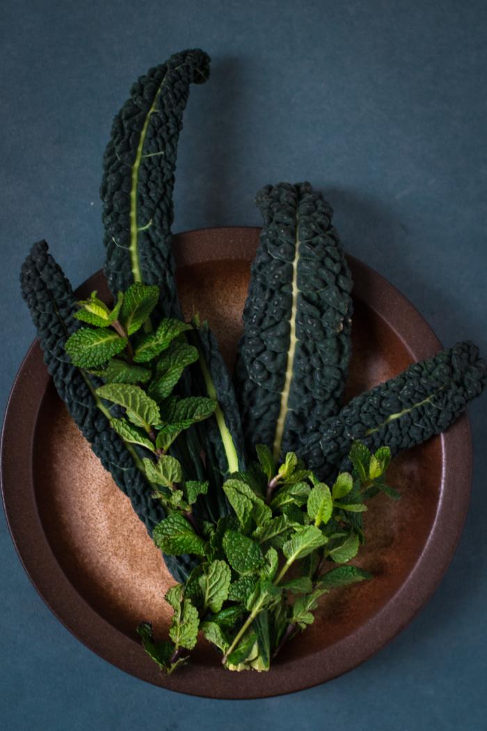 Soupe de Noodles au Kale, Cacahuètes, Coco & Curry
