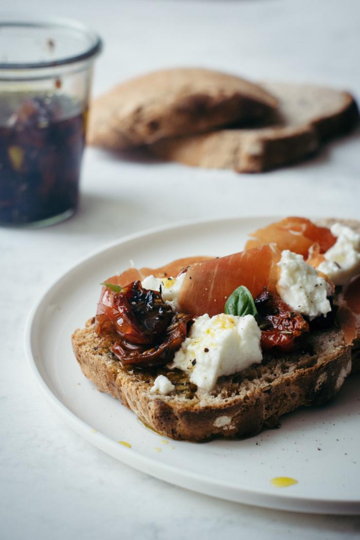 Tomates Confites Huile d'Olive Aromates
