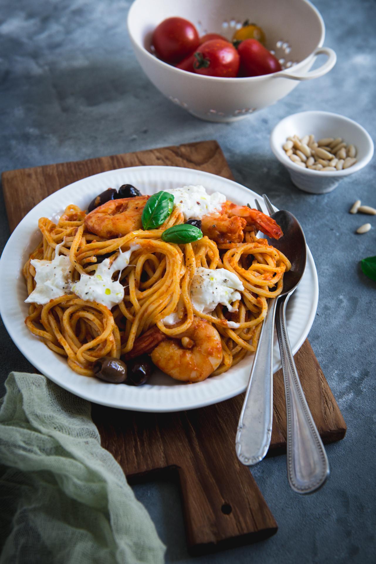 Spaghetti aux crevettes sauce poivron -3